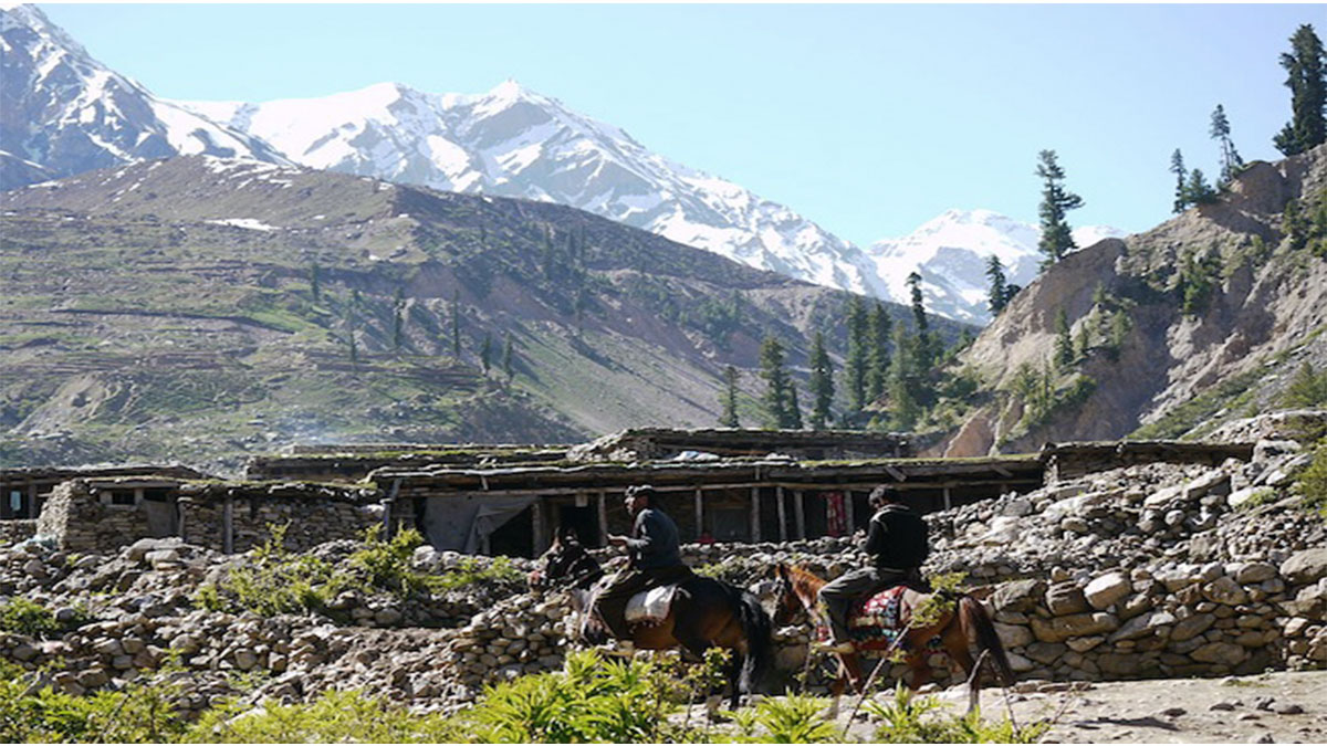 Horseback travel in the Hindu Kush